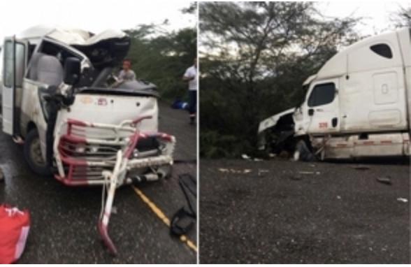 Tres muertos y doce heridos en accidente de tránsito en Dajabón