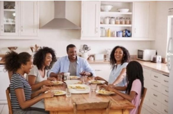 La comida preparada en casa reduce el riesgo de exposición a sustancias químicas presentes en los envases de alimentos
