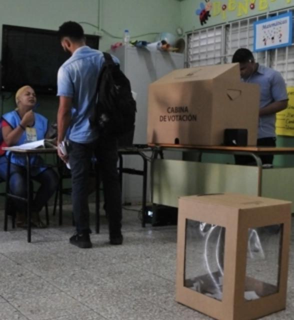 Telefónicas sostienen que sus líneas no fueron interferidas en la votación