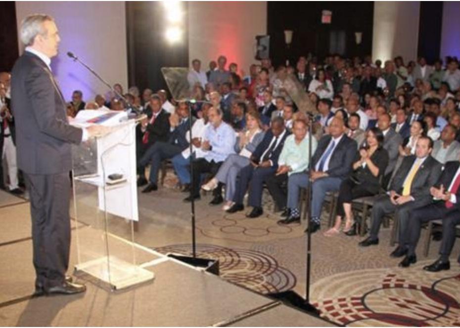 Abinader plantea gobierno con crecimiento y desarrollo