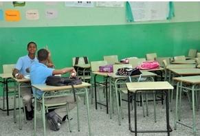 FINJUS advierte paro de docencia vulnera derecho a la educación y genera inseguridad jurídica
