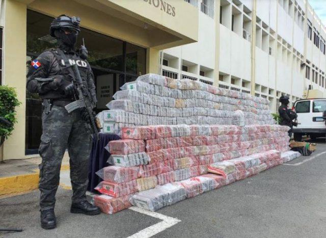 Autoridades ocupan 1,747 paquetes presumibles de cocaína en puerto de Haina