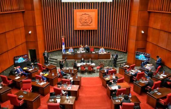 Los senadores van lentos en gastos de dinero del 'barrilito'