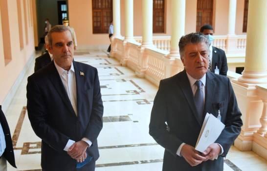 """Tras intervención en cárcel de Azua, Abinader garantiza enfrentarán """"toda estructura criminal"""""""