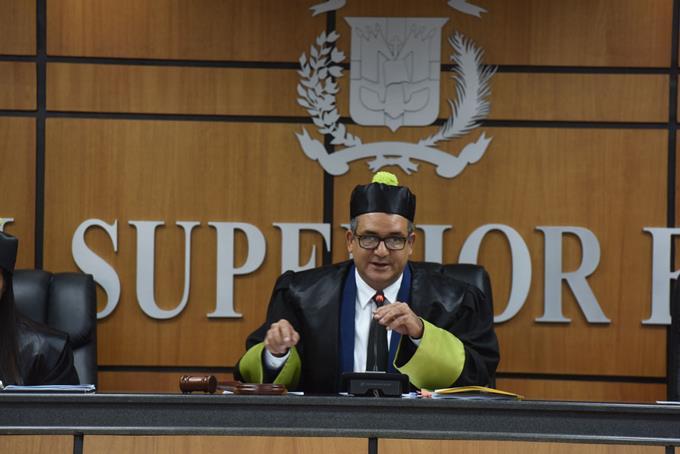 Mandatario debe convocar Consejo de la Magistratura para sustituir presidente TSE