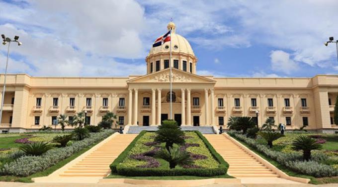 Los 36 funcionarios que suspendió Luis Abinader por no presentar declaración jurada