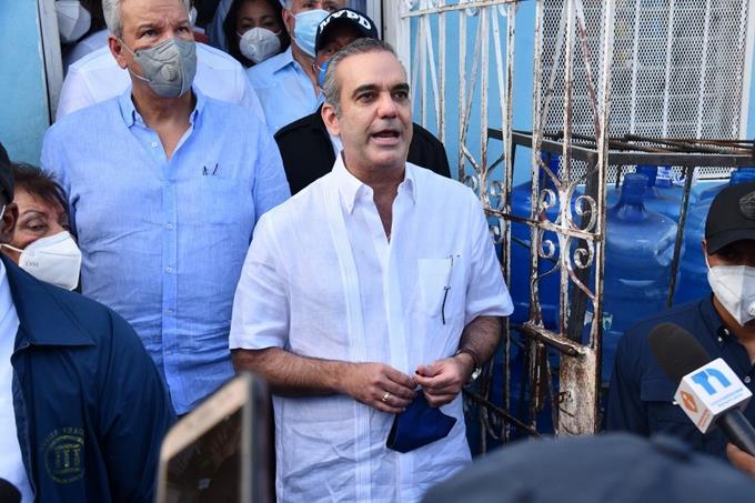 """""""Qué se entreguen esos delincuentes"""", exige presidente Abinader a matadores de niña!"""