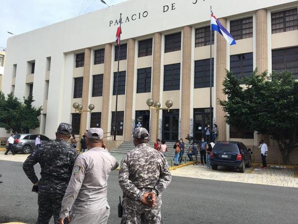 Trasladan al Palacio de Justicia de Ciudad Nueva a arrestados por Procuraduría