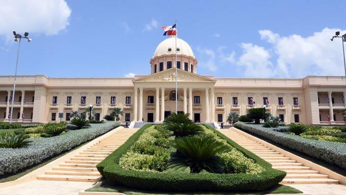 Gobierno pagará parte del salario de Navidad a trabajadores suspendidos
