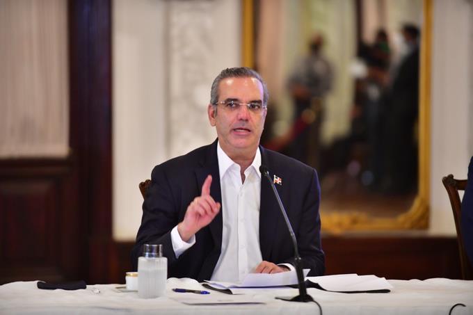 Abinader reafirma su compromiso de cumplir la Ley de Migración a carta cabal
