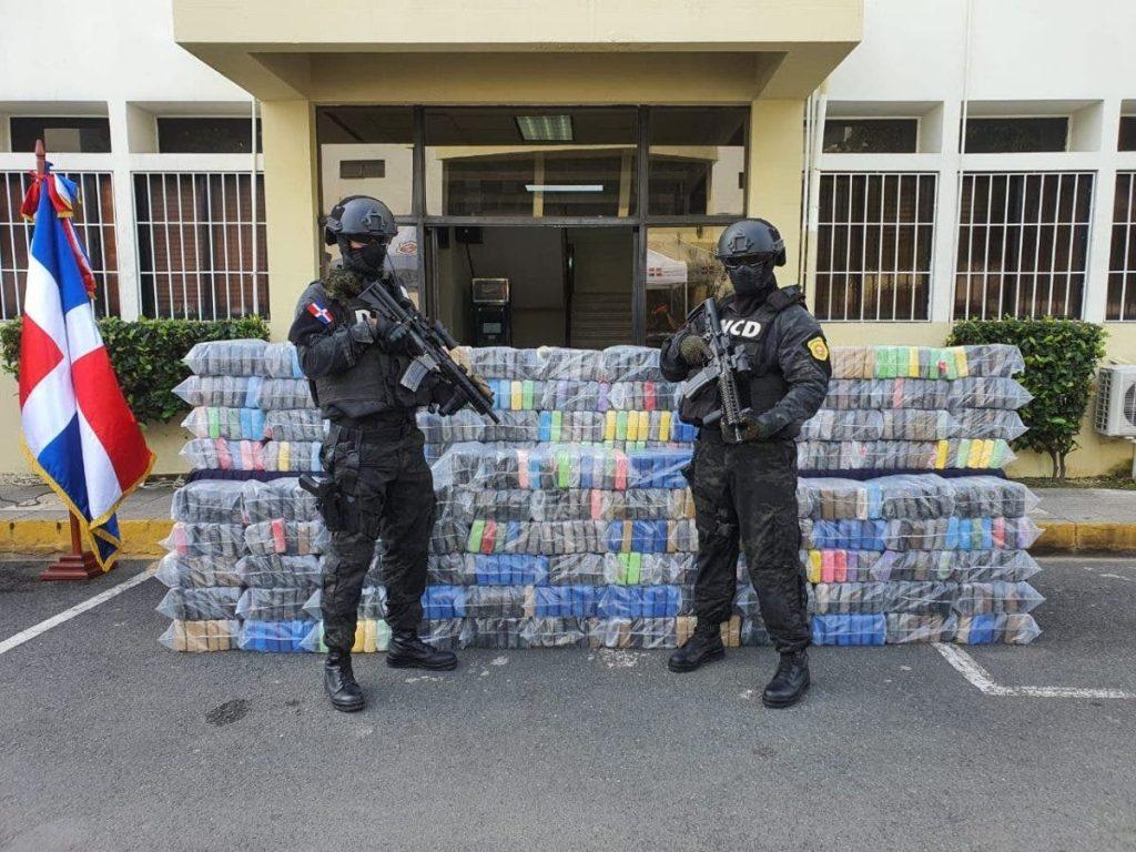 Apresan conductor de camión vinculado a decomiso de 673 paquetes de cocaína en Puerto Caucedo