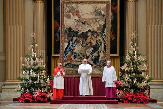 El papa pide que todos tengan acceso a la vacuna en su mensaje de Navidad