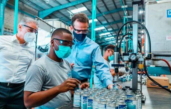 """Sectores productivos dominicanos recibirán apoyo con el programa """"Ruta Industrial"""""""