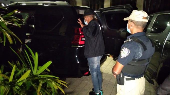Detienen al exadministrador de Edenorte luego de allanamiento de más de 9 horas