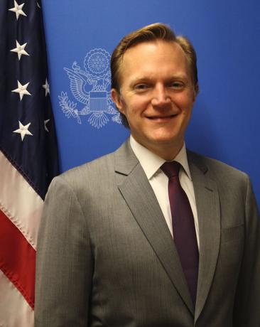 Robert Thomas asume embajada EU como encargado de negocios