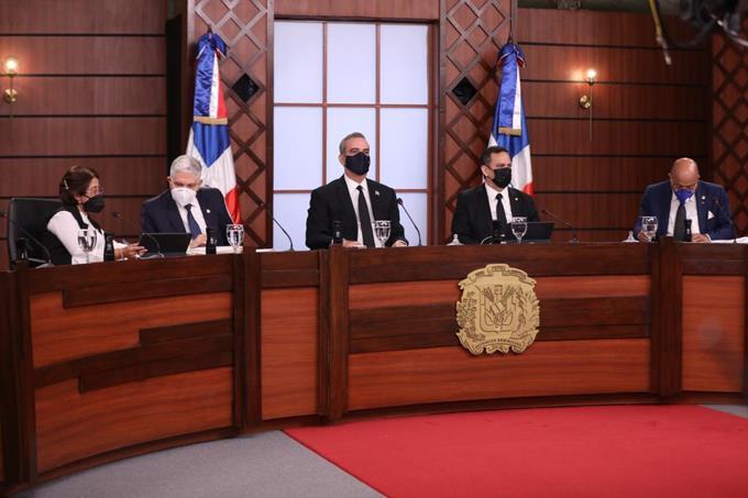 El país conocerá mañana los cuatro nuevos jueces del TC