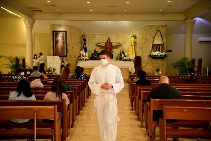Gobierno dispone reapertura de las iglesias