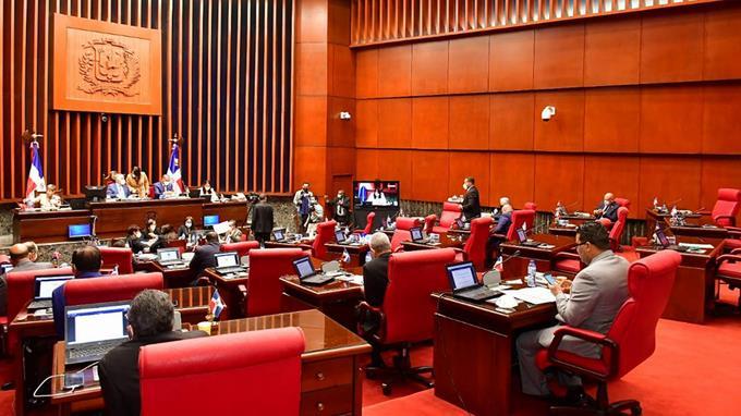 El Senado aprueba compras adicionales vacunas contra virus