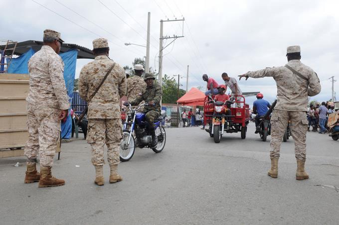 La tensión baja en Haití y hay calma en la frontera
