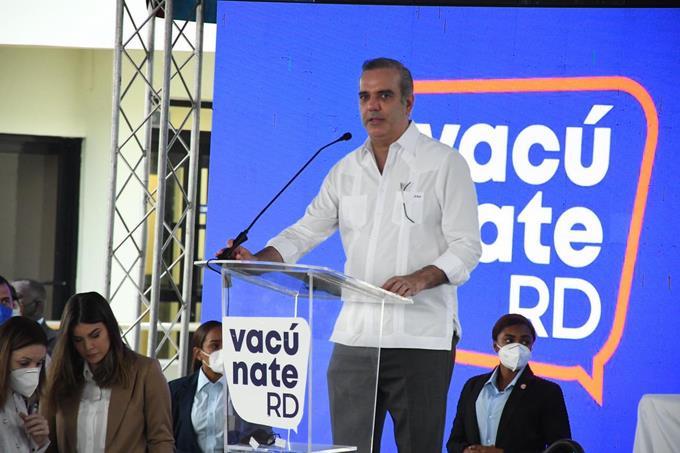 """Raquel Abaje dice el presidente quería vacunarse de primero pero llegaron """"pocas dosis"""""""