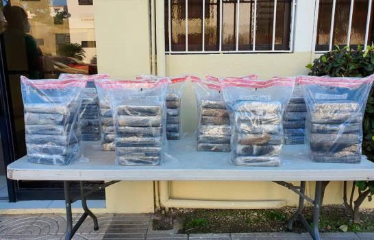 DNCD se incauta de 60 paquetes de cocaína y detienen a cinco en San Pedro de Macorís