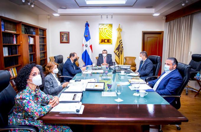 JCE ratifica orden de los partidos en las boletas y distribución de recursos