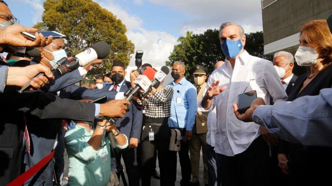 Abinader garantiza protección de frontera