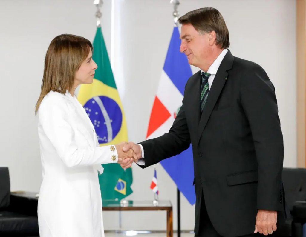 La embajadora Patricia Villegas de Jorge presentó cartas credenciales ante el presidente Jair Bolsonaro