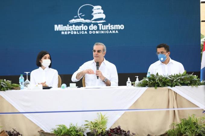 Abinader asegura durante su Gobierno se han recuperado más de 100 mil empleos en sector Turismo
