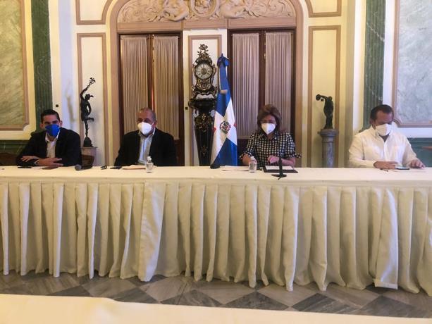 Así serán divididos los grupos de vacunación contra el COVID-19 en el país