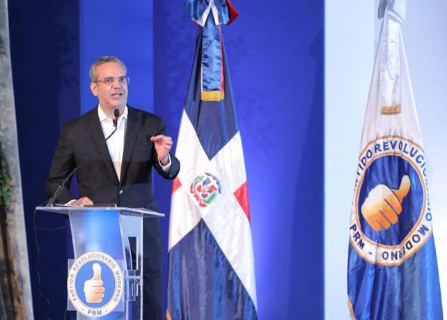 Abinader rinde informe ante la Comisión Política del PRM